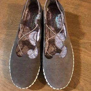Skechers memory foam shoes 8 NWOT